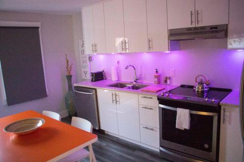 Wow Luxury Suites - Downtown South - Halifax, NS B3H 1T5