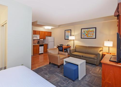 Homewood Suites By Hilton Brownsville - Brownsville, TX 78520