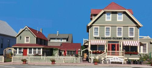 The Island Guest House - Beach Haven, NJ 08008