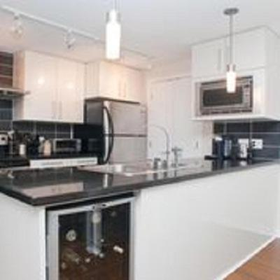 3 Bedroom House In Downtown - Vancouver, BC V6B 0B9