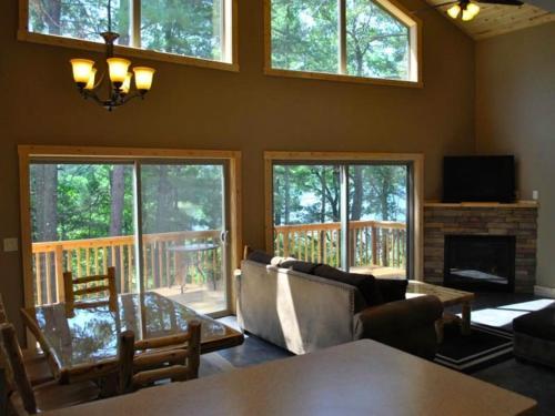 Bluewater Lodge Cabin 1 - Walker, MN 56484