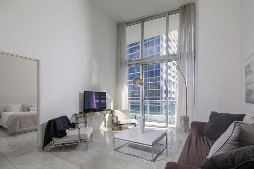 Miami Condo One Bedroom With Water Views