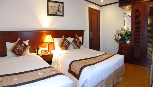 May De Ville Legend Hotel photo 5