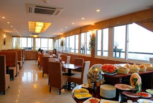 May De Ville Legend Hotel photo 11
