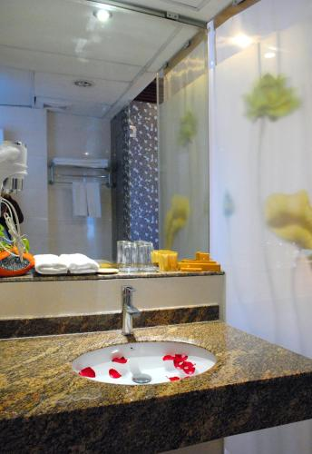 May De Ville Legend Hotel photo 15