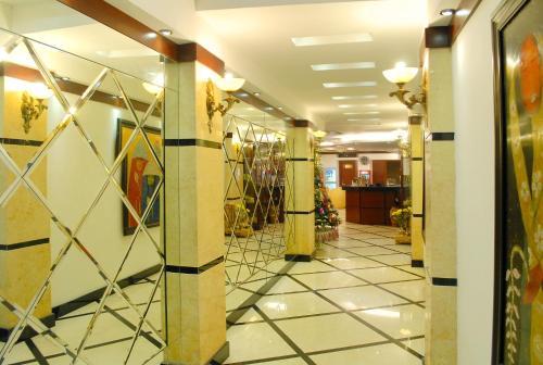 May De Ville Legend Hotel photo 22