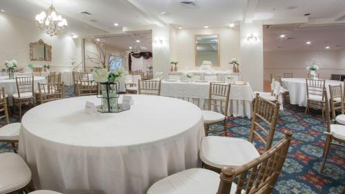 Gulf Hills Hotel & Conference Center - Ocean Springs, MS 39564