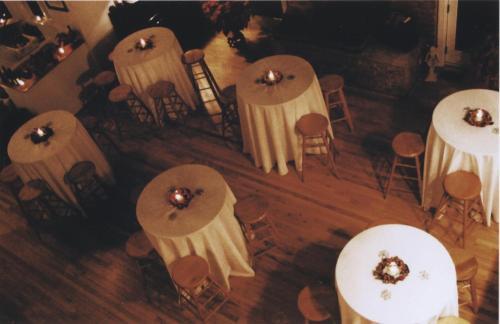 The Columbia Inn at Peralynna Photo