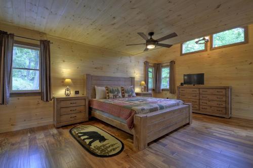 Sccr_just_aska_bear_lodge - Blue Ridge, GA 30513