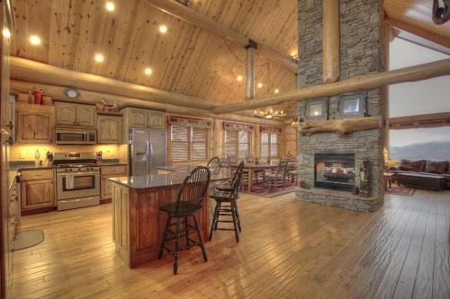 Sccr_long_mountain_lodge - Blue Ridge, GA 30513