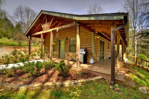 Creek Side Hideaway - Blue Ridge, GA 30513