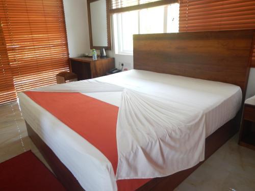 Elephant Safari Hotel and Restaurant Yala