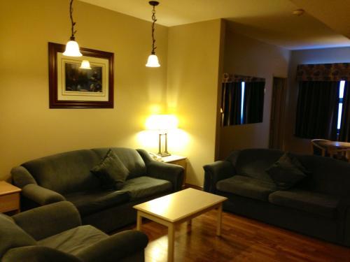 Petawawa River Inn & Suites Photo