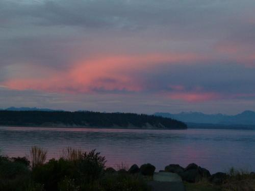 Beachway Vacation Rental & B&b Suites - Campbell River, BC V9W1S2