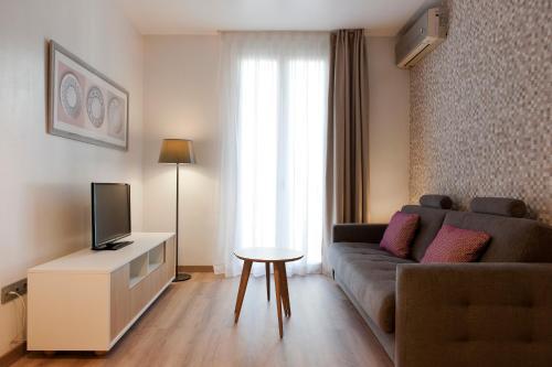 MH Apartments S. Familia photo 15
