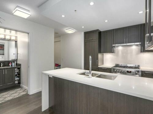 Brand New Quiet 3 Bdrs Apt Near Malls Skytrain - Vancouver, BC V5R 2P9