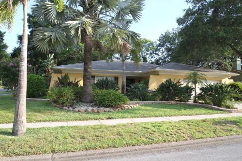Uncle Joe's Florida Hideaway