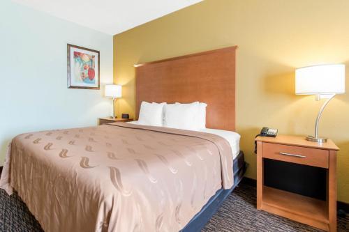 Quality Inn & Suites Shippen Place Hotel Photo