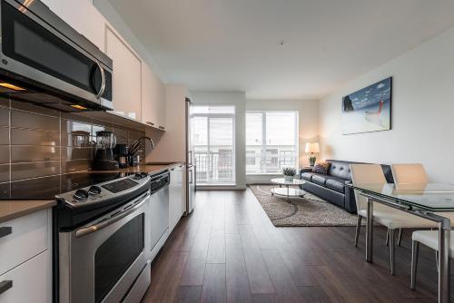Downtown Sunny Suite - Victoria, BC V8W 1R3