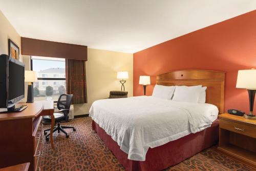 Hampton Inn Wichita-East Photo