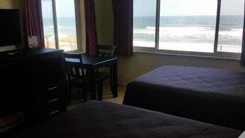 Driftwood Beach Motel Photo