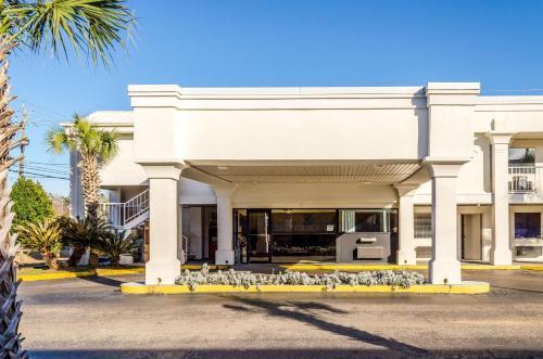 Motel 6 Saraland - Saraland, AL 36571