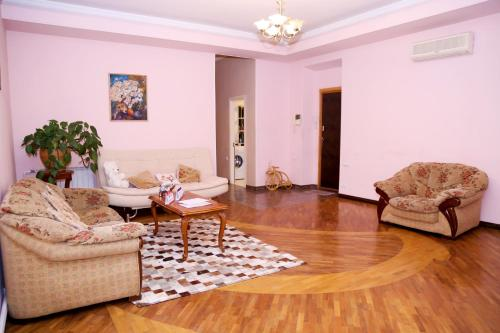 Apartment on 11 Amiryan Street, Yerevan Hotels, Resorts, and Rentals ...