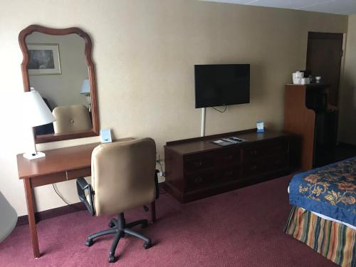 Baymont Inn and Suites Rock Hill Photo