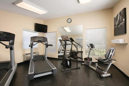 Country Inn & Suites by Radisson, Atlanta Airport North, GA Photo