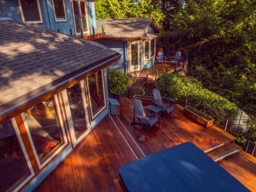 A Snug Harbour Inn - Ucluelet, BC V0R 3A0