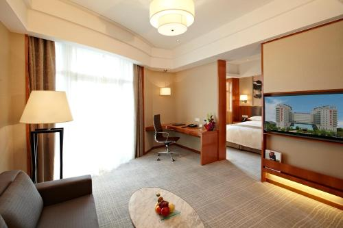 Ramada Plaza Shanghai Pudong Airport photo 54