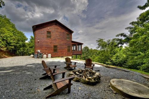Blue Sky Lodge - Cherrylog, GA 30513