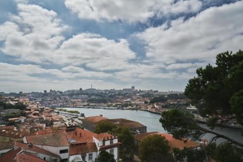 336 Rua da Restauração, União de Freguesias do Centro, 4050-506 Porto, Portugal.