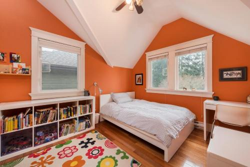Charming Character House In Upper Lonsdale - North Vancouver, BC V7N 2N2