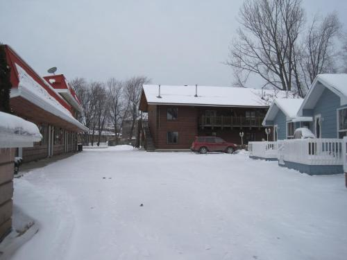 Sunset Inn - North Bay, ON P1A 2E9