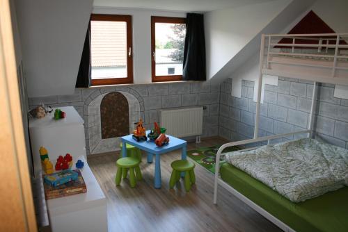 Happy Family Apartment