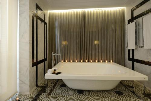 Luxury Suite Hotel Único Madrid 13