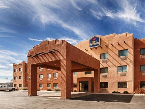 Best Western Territoral Inn & Suites