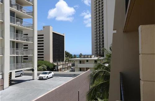 Bamboo #702 - Studio/1ba W/ King Bed - Honolulu, HI 96815