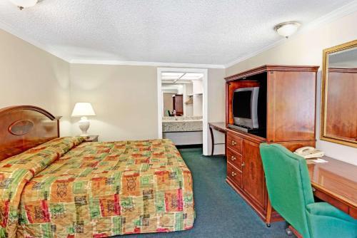 Knights Inn Atlanta West-near Six Flags - Lithia Springs, GA 30168