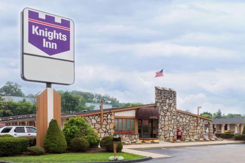 Knights Inn Greensburg Photo