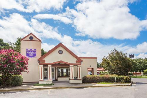 Knights Inn - Cayce Photo
