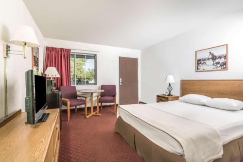 Super 8 By Wyndham Wickenburg Az Hotel