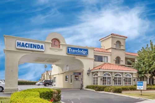 Travelodge Costa Mesa - Newport Beach Hacienda Photo