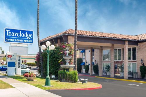 Travelodge Orange County Airport Photo