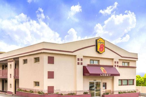 Super 8 By Wyndham North Bergen Nj/nyc Area - North Bergen, NJ 07047