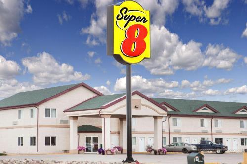 Super 8 Kindersley Photo