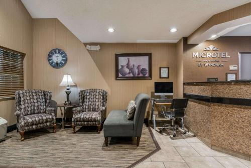 Microtel Inn and Suites Rochester Photo