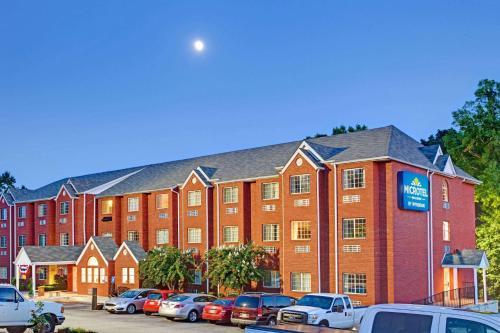 Microtel Inn & Suites by Wyndham Stockbridge/Atlanta I-75 Photo