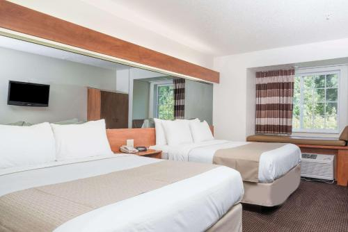 Microtel Inn & Suites by Wyndham Rice Lake Photo